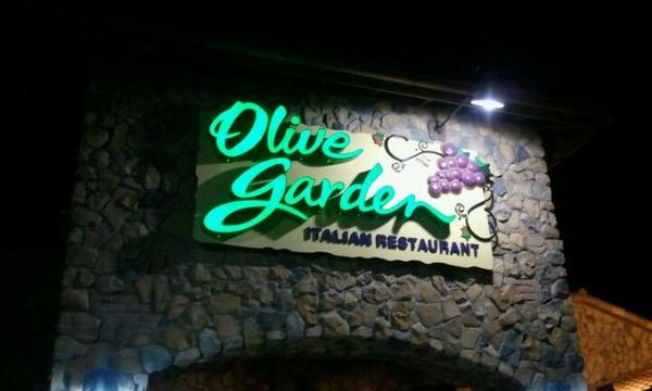 The Olive Garden In Council Bluffs Iowa Information Coupons Menu And Ratings
