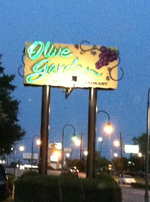 Olive Garden In Morrow Georgia Information Coupons Menu And Ratings